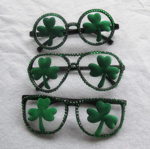 St.Patrick Green Shamrock Glasses