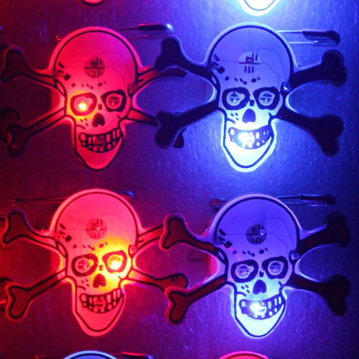 Halloween Skull LED Flashing Lighting Halloween Badge Pin Light Up Badge