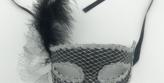 Silver Net Eye Mask W Black Feather