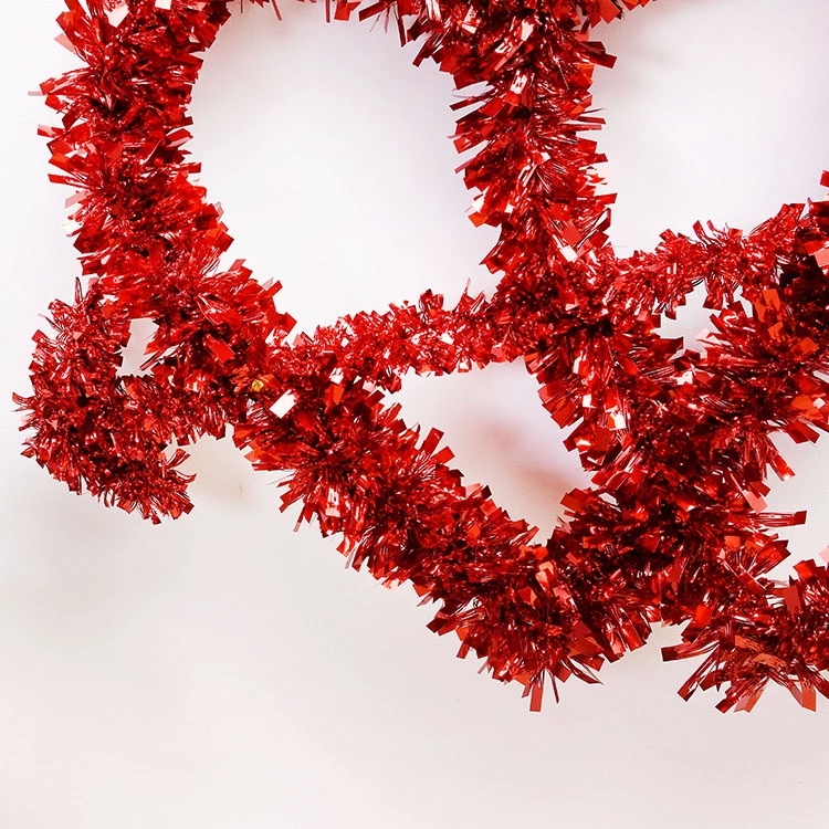 Red Hearts Wreaths Details